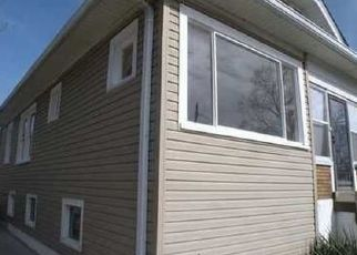 Foreclosed Home in Louisville 40215 MANITAU AVE - Property ID: 1576415293