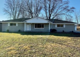 Foreclosed Home in Macomb 48042 CARD RD - Property ID: 1603270554