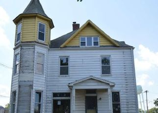 Foreclosed Home in Metamora 61548 E PARTRIDGE ST - Property ID: 1619557485
