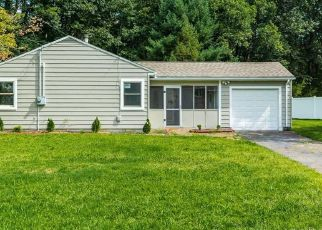 Foreclosed Home in Wallingford 06492 RIDGELAND RD - Property ID: 1681199707