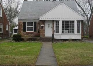 Foreclosed Home in Detroit 48219 SUNDERLAND RD - Property ID: 1800572581