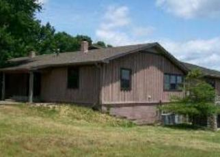 Foreclosed Home in Waynesboro 38485 TOLL HOLLOW RD - Property ID: 1877369116