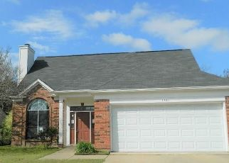 Foreclosed Home in Grand Prairie 75052 NEWPORT ST - Property ID: 1938156859