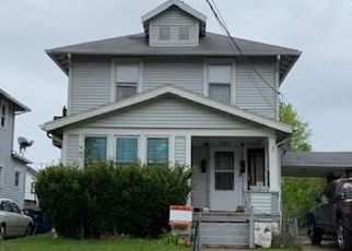 Foreclosed Home in Toledo 43609 MAYBERRY ST - Property ID: 1976708192