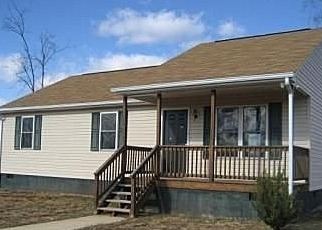 Foreclosed Home in Dillwyn 23936 FANNY WHITE RD - Property ID: 2052032275