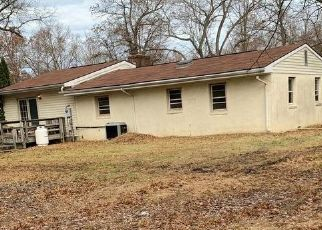 Foreclosed Home in Middleburg 20117 HAMLIN SCHOOL LN - Property ID: 2068401109