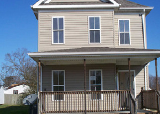 Foreclosed Home in Suffolk 23434 EOLA AVE - Property ID: 2090756180