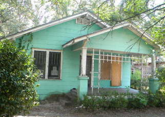 Foreclosed Home in Jacksonville 32208 OWEN AVE - Property ID: 2304954828