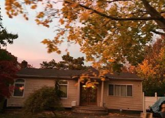 Foreclosed Home in Amityville 11701 BIRCH RD - Property ID: 2377669451