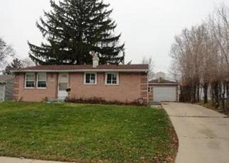 Foreclosed Home in Carpentersville 60110 JACKSON AVE - Property ID: 2493875337