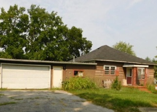 Foreclosed Home in West Frankfort 62896 N CHERRY ST - Property ID: 2665218654