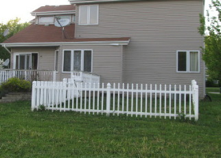 Foreclosed Home in Steger 60475 HILLCREST LN - Property ID: 2676357193