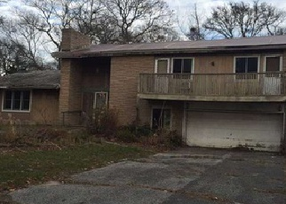 Foreclosed Home in Mastic Beach 11951 LAUREL ST - Property ID: 2765250601