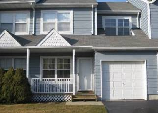Foreclosed Home in Central Islip 11722 SHADY LN - Property ID: 2768169700