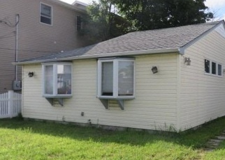 Foreclosed Home in East Rockaway 11518 MARTIN ST E - Property ID: 2770682799