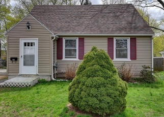 Foreclosed Home in Waterbury 06706 EDGEWOOD AVE - Property ID: 2796014323