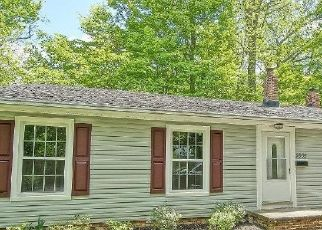 Foreclosed Home in Chagrin Falls 44022 WILTSHIRE RD - Property ID: 2879939789