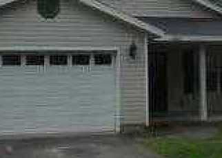 Foreclosed Home in Jacksonville 32208 8TH AVE - Property ID: 2887666966