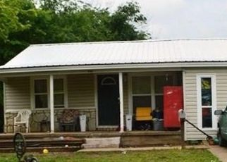 Foreclosed Home in Seminole 74868 LINCOLN ST - Property ID: 2892474146
