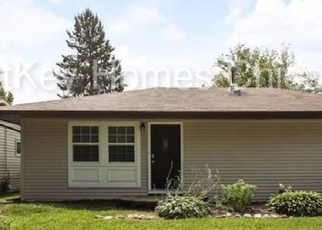 Foreclosed Home in Carpentersville 60110 SEMINOLE LN - Property ID: 2938874891