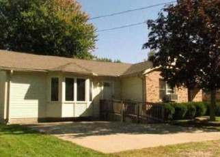 Foreclosed Home in Algonac 48001 SAINT CLAIR BLVD - Property ID: 2979218411