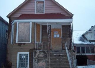 Foreclosed Home in Chicago 60617 S ESCANABA AVE - Property ID: 3006040378