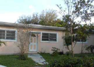 Foreclosed Home in Miami 33161 PEACHTREE DR - Property ID: 3012709854