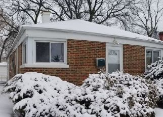 Foreclosed Home in Calumet Park 60827 S LOOMIS ST - Property ID: 3039080252