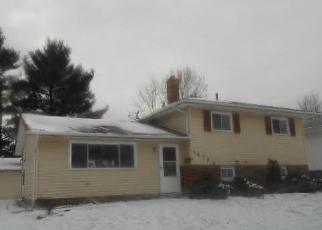 Foreclosed Home in Bedford 44146 VICKIE LN - Property ID: 3069725752