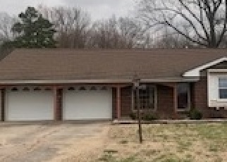 Foreclosed Home in Raleigh 62977 KAREL PARK RD - Property ID: 3107139223