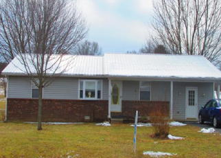 Foreclosed Home in Crossville 38572 LANTANA FIRETOWER RD - Property ID: 3115557533
