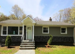 Foreclosed Home in Bridgeport 06606 CHOPSEY HILL RD - Property ID: 3123259299