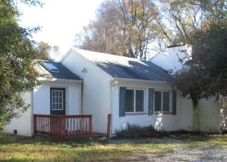 Foreclosed Home in Annapolis 21403 FARRAGUT RD - Property ID: 3125282299