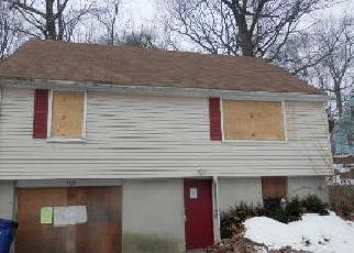 Foreclosed Home in Bridgeport 06606 SUNSHINE CIR - Property ID: 3144675804