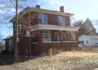 Foreclosed Home in West Frankfort 62896 E LINDELL ST - Property ID: 3148813777