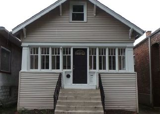 Foreclosed Home in Oak Park 60304 LYMAN AVE - Property ID: 3262227583