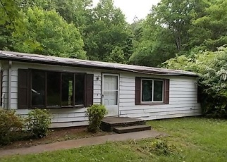 Foreclosed Home in Bumpass 23024 HOPEFUL CHURCH RD - Property ID: 3269986726