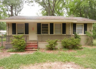 Foreclosed Home in Center Point 35215 16TH COURT CIR NE - Property ID: 3270556529