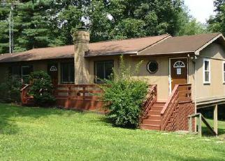 Foreclosed Home in Hedgesville 25427 WISHBONE CIR - Property ID: 3321228815