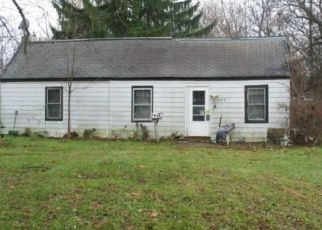 Foreclosed Home in Lansing 48910 HUGHES RD - Property ID: 3340206660
