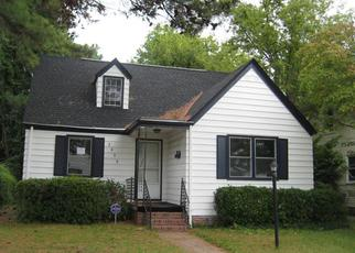 Foreclosed Home in Norfolk 23509 SOMME AVE - Property ID: 3363520900