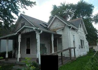 Foreclosed Home in Indianapolis 46222 S HARRIS AVE - Property ID: 3446097831