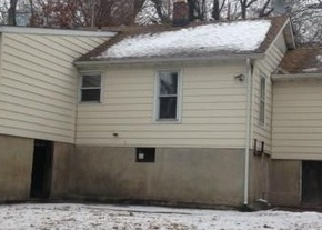 Foreclosed Home in Bridgeport 06606 ROBERT ST - Property ID: 3448407248