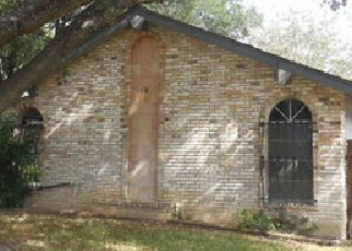 Foreclosed Home in San Antonio 78233 LA CUEVA ST - Property ID: 3465058145