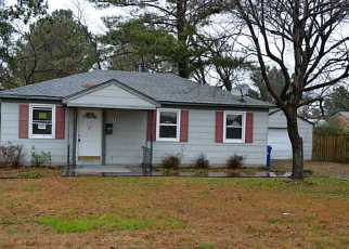 Foreclosed Home in Portsmouth 23702 BEACON RD - Property ID: 3511095796