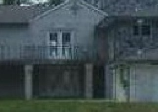 Foreclosed Home in Belleville 48111 LAKE POINT PASS - Property ID: 3547375811