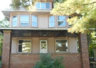 Foreclosed Home in Cleveland 44118 LEE RD - Property ID: 3580620662