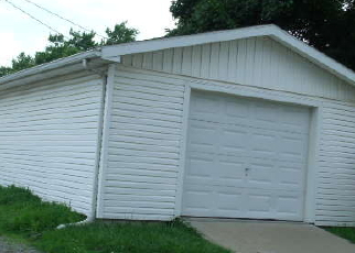 Foreclosed Home in Saint Joseph 64504 VIRGINIA ST - Property ID: 3584352636