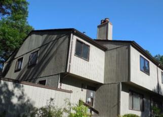Foreclosed Home in Eden Prairie 55346 SAINT JOHNS DR - Property ID: 3584568558