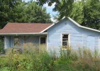 Foreclosed Home in Van Orin 61374 2605 E ST - Property ID: 3592457788